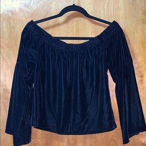 NWT OFF THE SHOULDER VELVET TOP